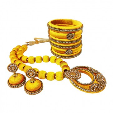 Yellow American diamond, synthatic pearl Necklace Set